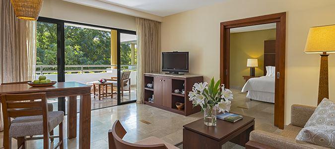 Deluxe Garden Junior Suite
