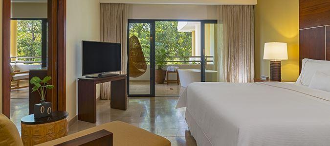 Royal Beach Club Suite