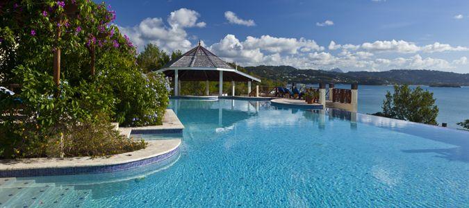 Main Infinity Pool with Swim Up Bar