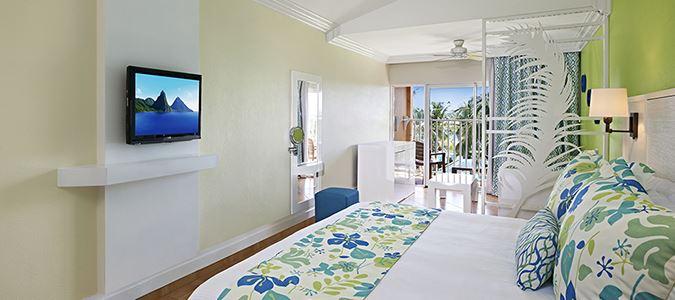 Harmony Premium Queen Oceanview Guestroom