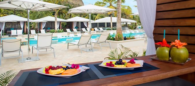 Pool Service - Fruit Plates