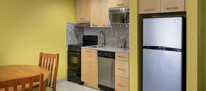 Poolside One Bedroom Suite Kitchen