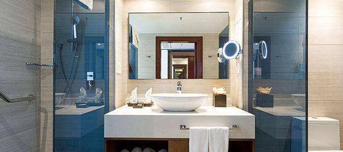 Superior Guestroom Bath