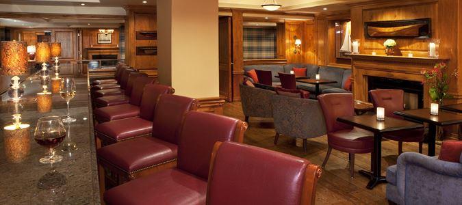 Fairfax Lounge