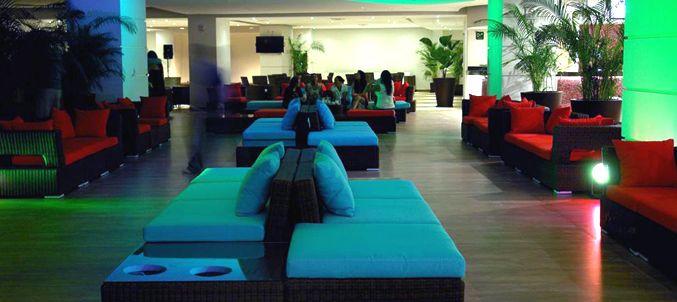 Luna Azul Lobby Bar