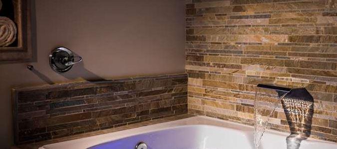 Creekside Villa Air Bath Tub