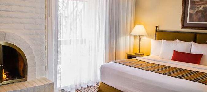 Creekside Villa Master Bedroom
