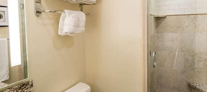 Creekside Villa 2nd bathroom