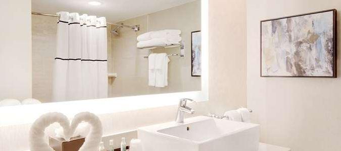 Newly Remodeled Bathroom 2