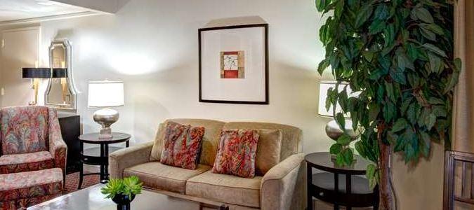 Guest Suite Sitting Area