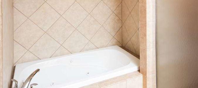 Boise Hotel Bathroom Suite