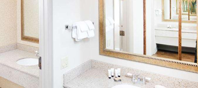 Boise Hotel Bathroom